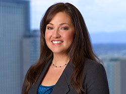 julianna-marmolejo-denver-colorado-paralegal-portrait