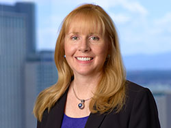 patti-gross-denver-colorado-support-services-portrait